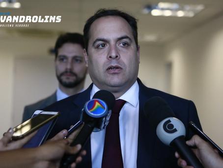 Paulo Câmara diz que academias e salões continuarão fechados em Pernambuco