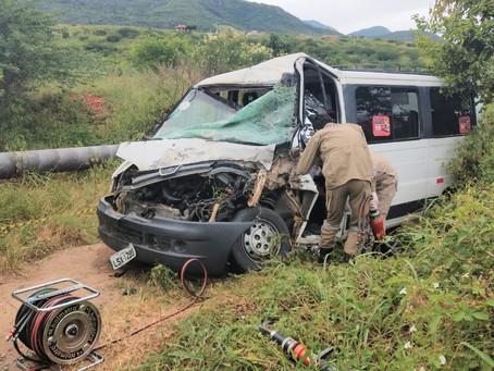 Plantão: Acidente é registrado na PE 90 entre os municípios de Toritama e Vertentes