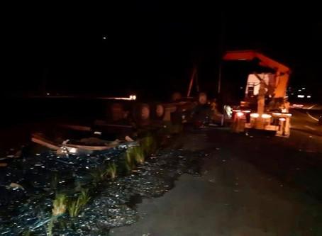 Trabalhador morre na capotagem de caminhão em Palmares
