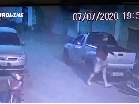 Flagrante: Criminosos enchem picape de mercadorias durante assalto em Toritama; veja o vídeo