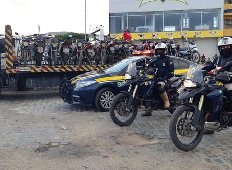PRF recolhe veículos irregulares em Toritama, Caruaru e Santa Cruz
