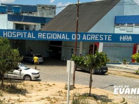 Conselheiro de saúde denuncia superlotação em sala de recuperação do HRA