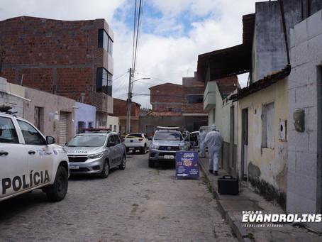 Mulher 'cuida' de marido morto e diz a polícia que esperava por ajuda sobrenatural em Caruaru