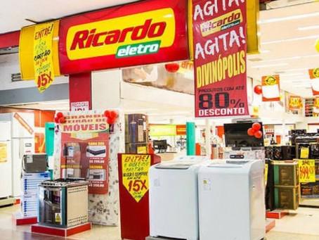 Rede Ricardo Eletro fecha 35 lojas em definitivo em Pernambuco