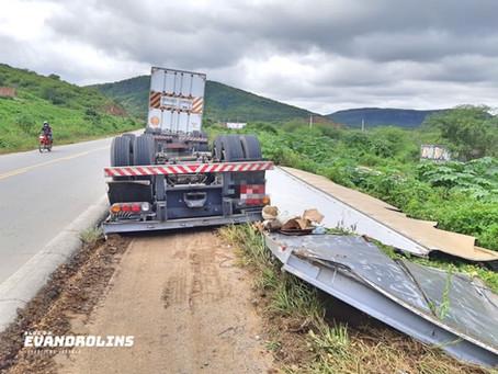 Acidente envolvendo caminhão é registrado na BR-104 em Taquaritinga