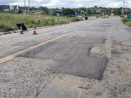 Estado atende solicitação de Eduardo Da Fonte e Inicia Operação Tapa Buracos na PE-145 em Brejo