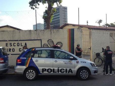 MPPE pede que escolas e faculdades do Recife usem detector de metais