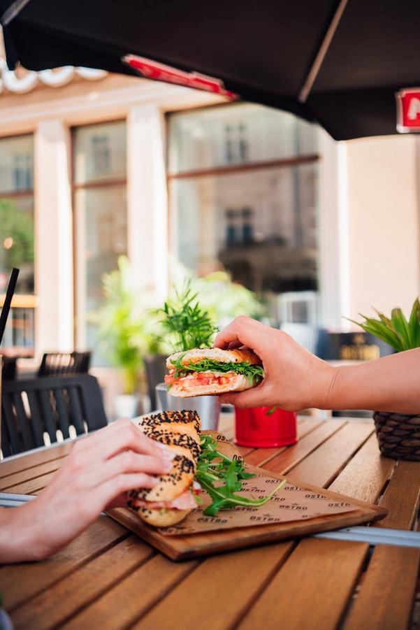 Fotograf kreatywny dla gastronomii, Fotografia kulinarna i reklamowa WARSZAWA,  Aleksander Soroka. OSTRO