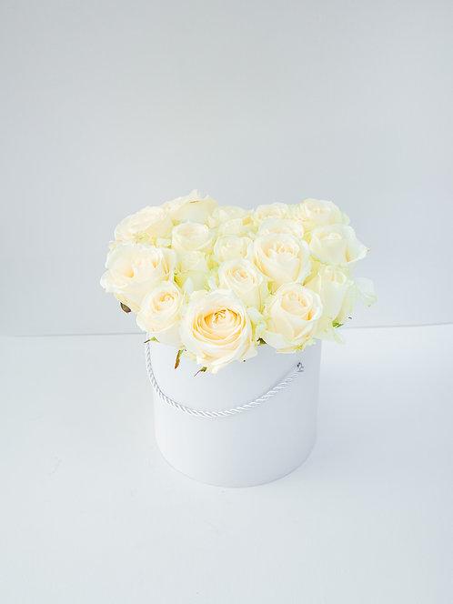 Flower Box z białych róż