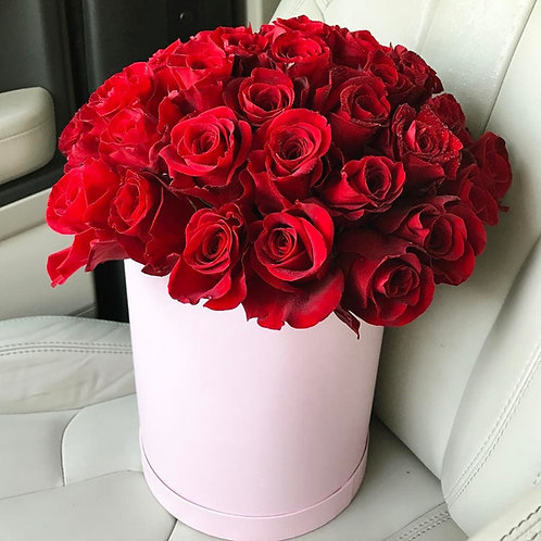 Flower Box – Czerwone róże w różowym pudełku