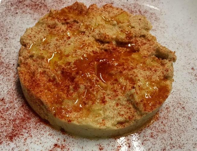 Hummus con pimentón_La Cueva de Lola