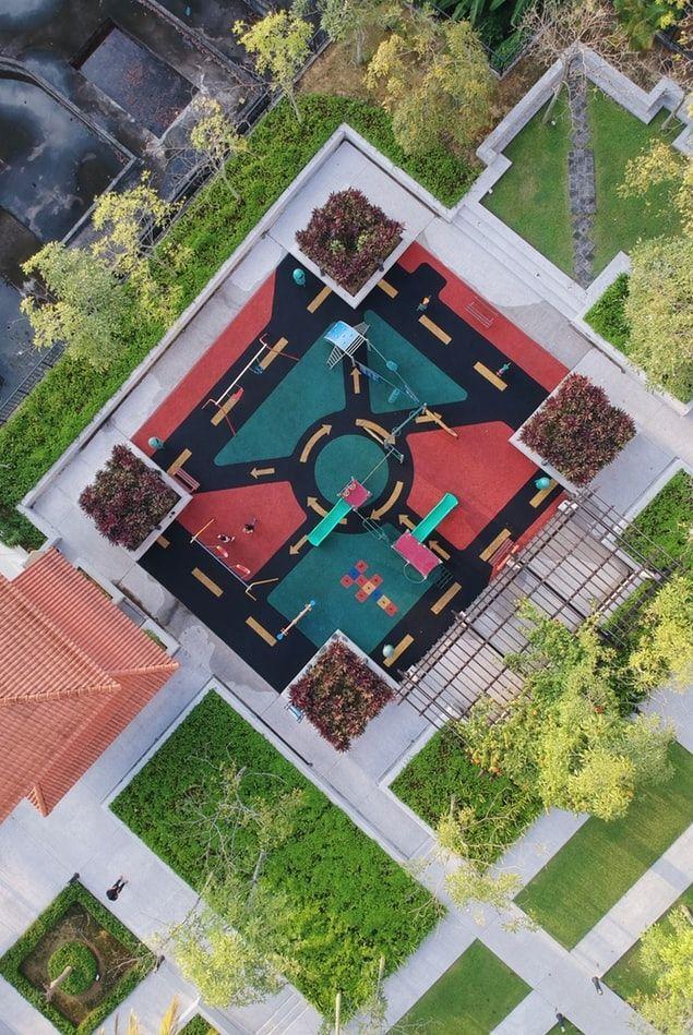 playground-aerial-compressor
