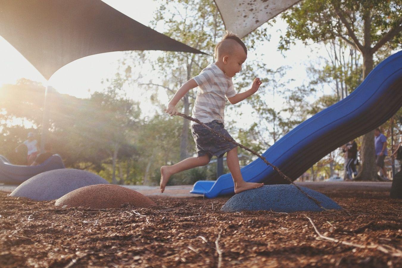 playground-boy-compressor