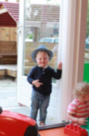 Finger Alert Pro white - happy boy.jpg