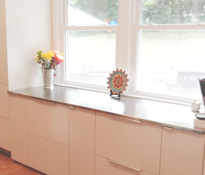 Kitchen remodel 2015 after. Copyright 2015 Marla Baxter Sanderson - SockOnARooster.com