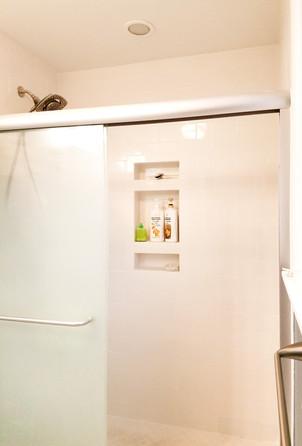 His and hers en-suite master bathrooms. Copyright 2015 Marla Baxter Sanderson - SockOnARooster.com