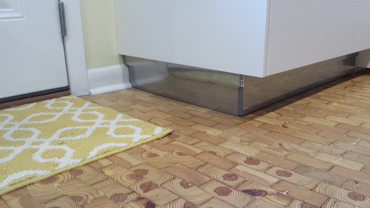End grain wood tile kitchen floors. Copyright 2015 Marla Baxter Sanderson - SockOnARooster.com