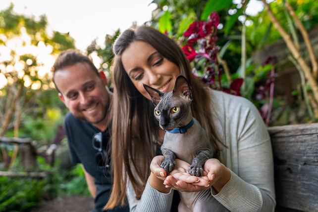 Cat-Outdoor-Family-Portrait-at-Wendy's-Secret-Garden-in-Sydney