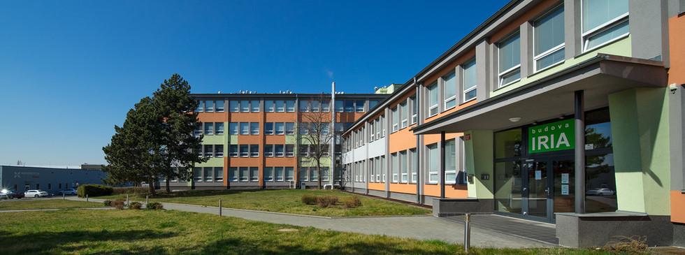 budova IRIA hl. vchod