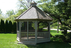 14ft Traditional Screened Gazebo