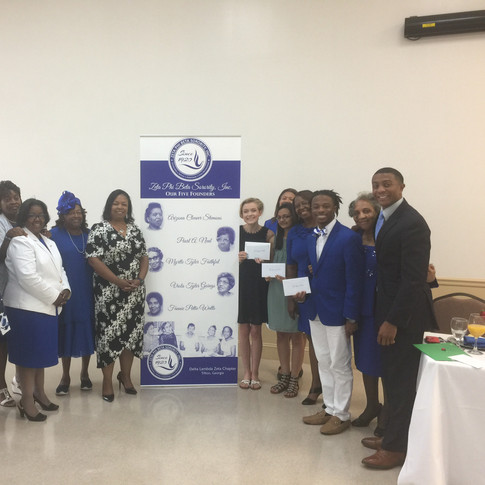 Members of the Scholarship Committee of Zeta Phi Beta Sorority, Inc. Delta Lambda Zeta Chapter, Keynote Speaker Ms. Tammy Hester, our 2018 scholarship recipients, and Special Guest Mr. Theo Dorsey (Sports Director, WALB Albany, GA)