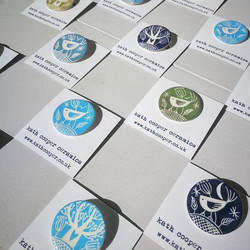 Ceramic brooches by Guest Potter _kathcooperceramics we have four designs to choose from. Here are t