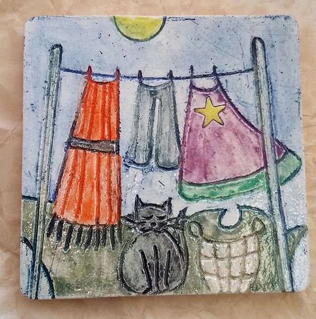 On a beautiful sunny day, perfect for washing! Here on a beautiful tile by member Yvonne Halton, who