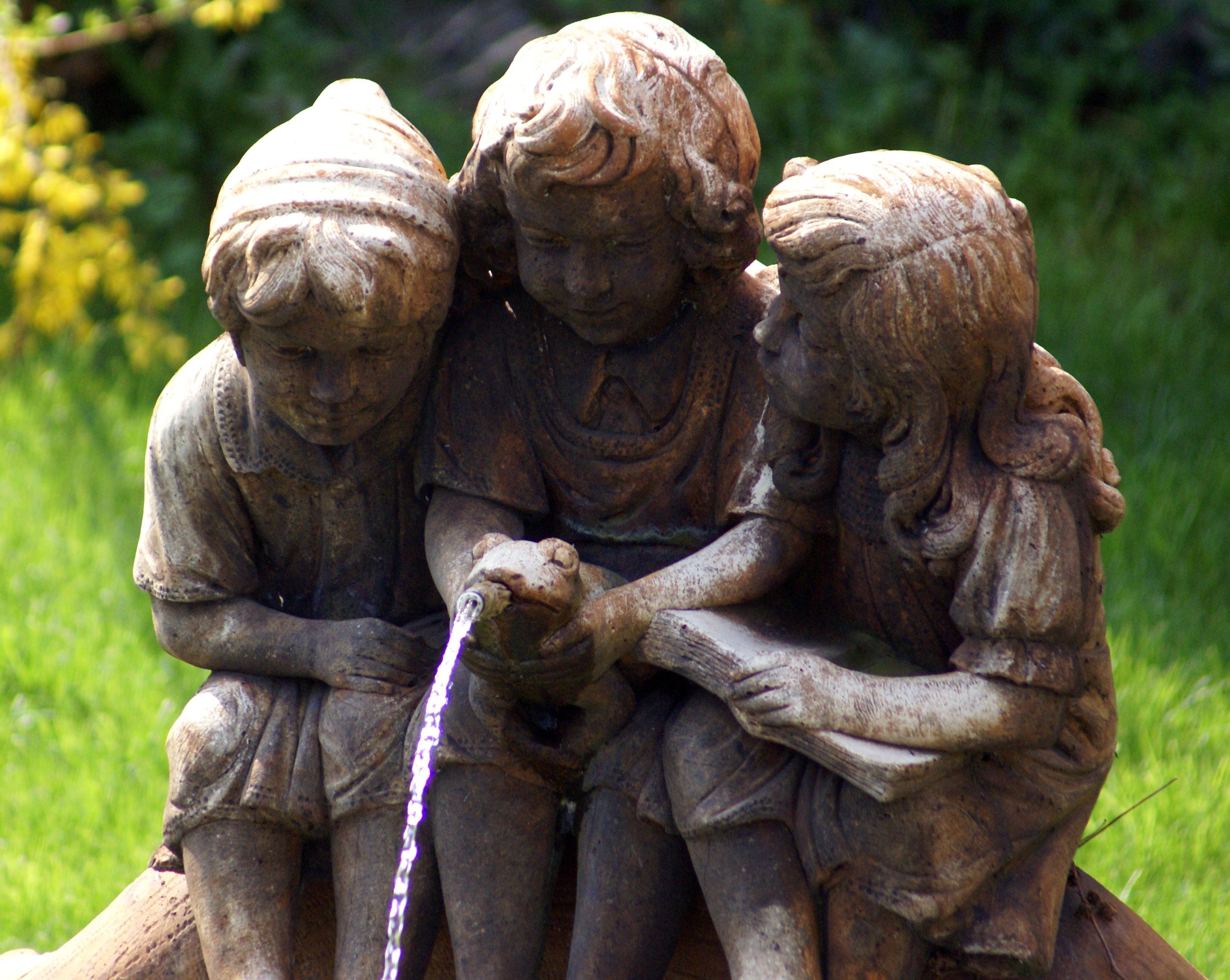 Les trois fées