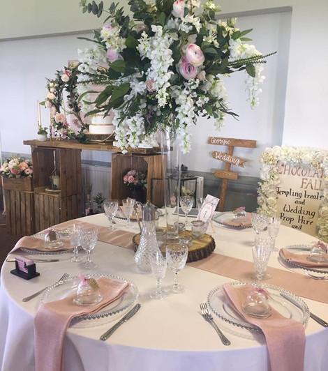 Large Bouquet Vase Centrepiece   Chocolate Falls