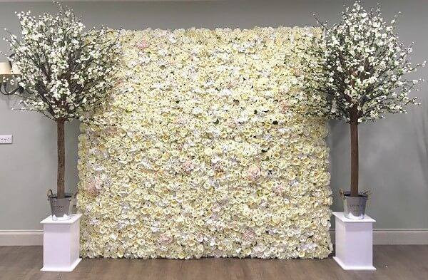 White Flower Wall Event | Chocolate Falls