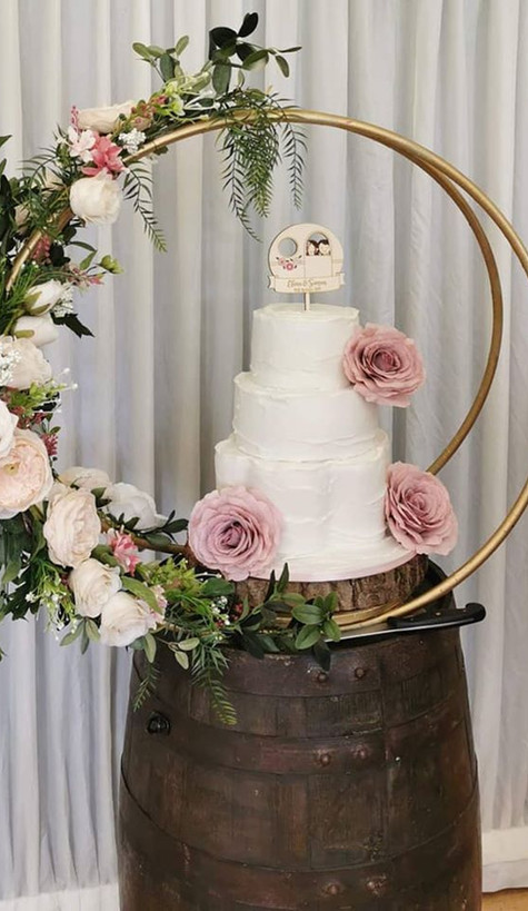 Barrel Table Wedding Cake Stand | Chocolate Falls