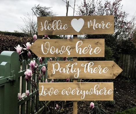 Personalised Arrow Wedding sign   Chocolate Falls