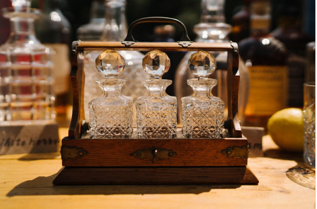 Whiskey Bar Decanter Hire | Chocolate Falls