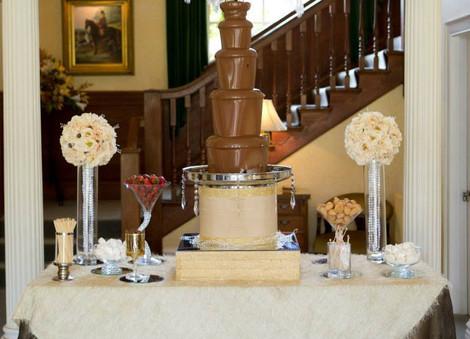 Gatsby Large Fountain   Chocolate Falls