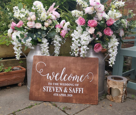Personalised Wooden Welcome to Our Wedding   Chocolate Falls