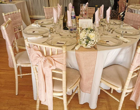 Pink & White Table Dressing   Chocolate Falls