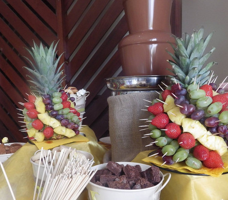 Small Bespoke Pineapple Fruit Tree | Chocolate Falls