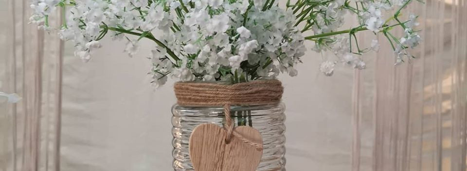 Simple Rustic Wedding Centrepiece | Chocolate Falls