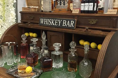 Whiskey Bar Gentleman Corner   Chocolate Falls