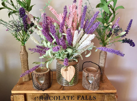 Floral Flowers Centre Pieces Wedding Hire   Chocolate Falls