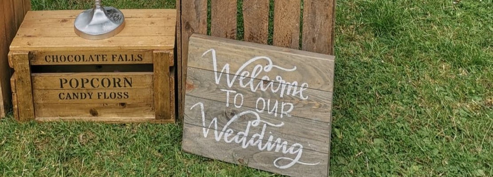 Rustic Wedding Signs | Chocolate Falls