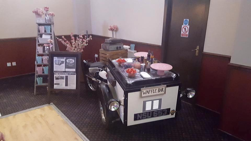 Waffle Cart & Vintage Trike | Chocolate Falls