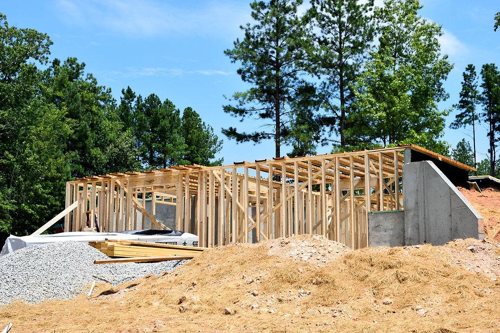 home-construction-2538773_1920.jpg