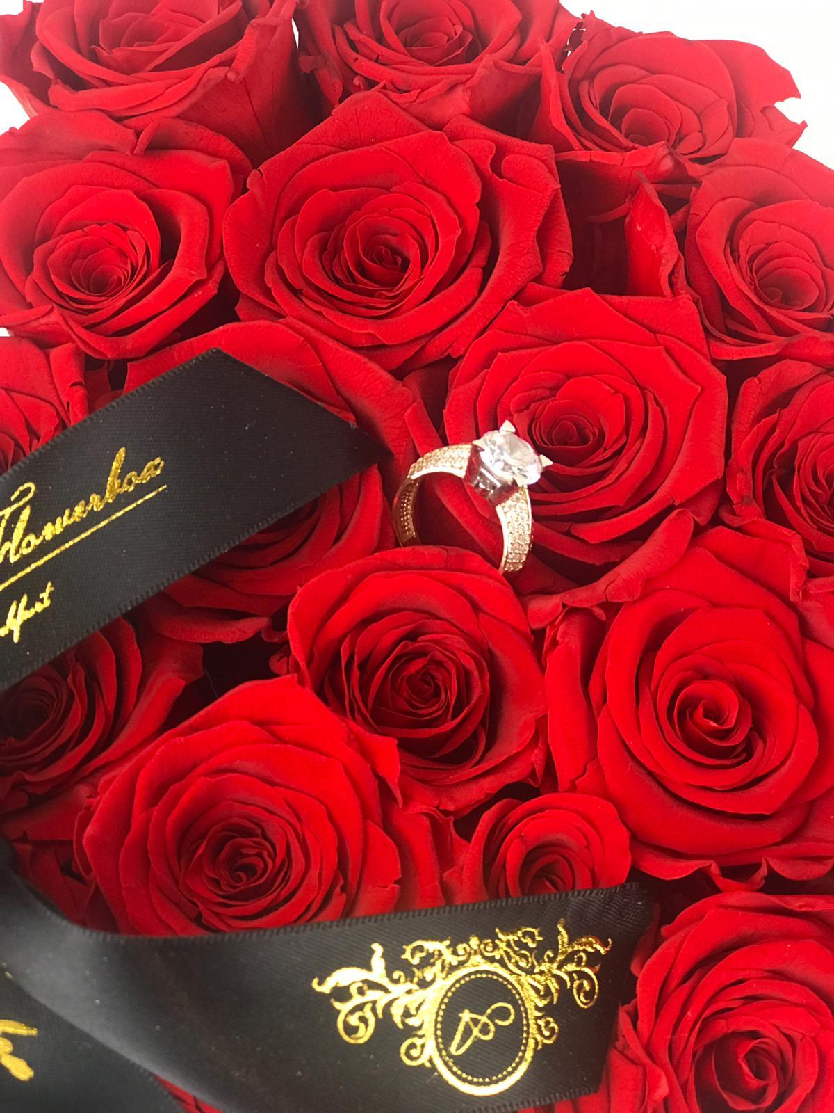 Love Flowerbox mit Roten Rosen ( Ring  a