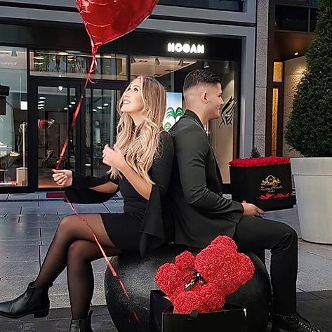 #aluxuryflowerbox #valentinesday #redinf