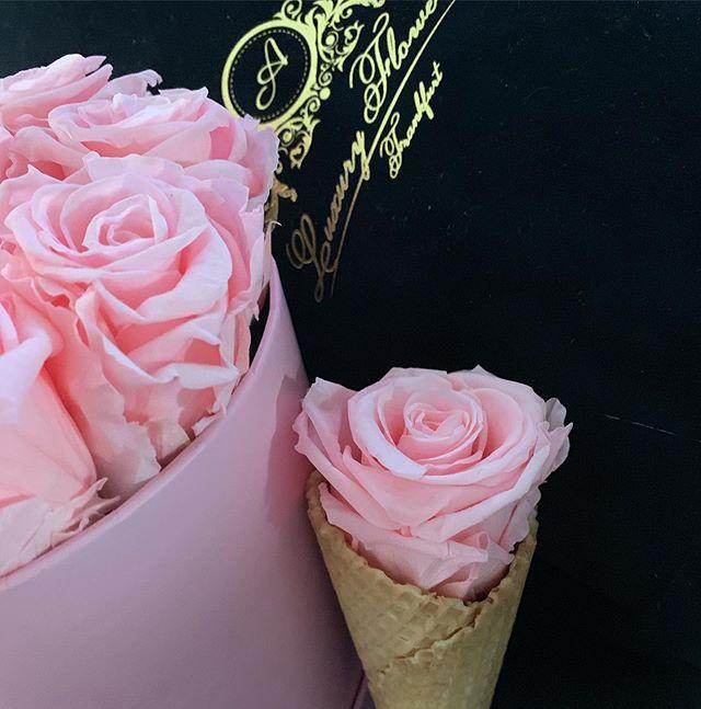 #black #rosa #aluxuryflowerbox #ffm #💗�
