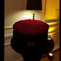 100 Roses Box🌹🌹_#kempinskihotel #itste