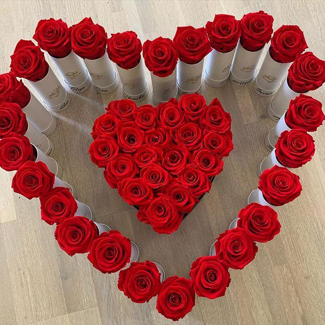 Love is in the air♥️_#love #herzbox #lie