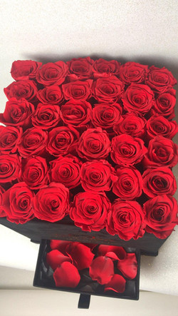 Velvet ( Samt ) Flowerbox eckig mit rote