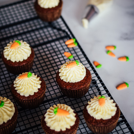 Bakery Style Carrot Cake Cupcakes